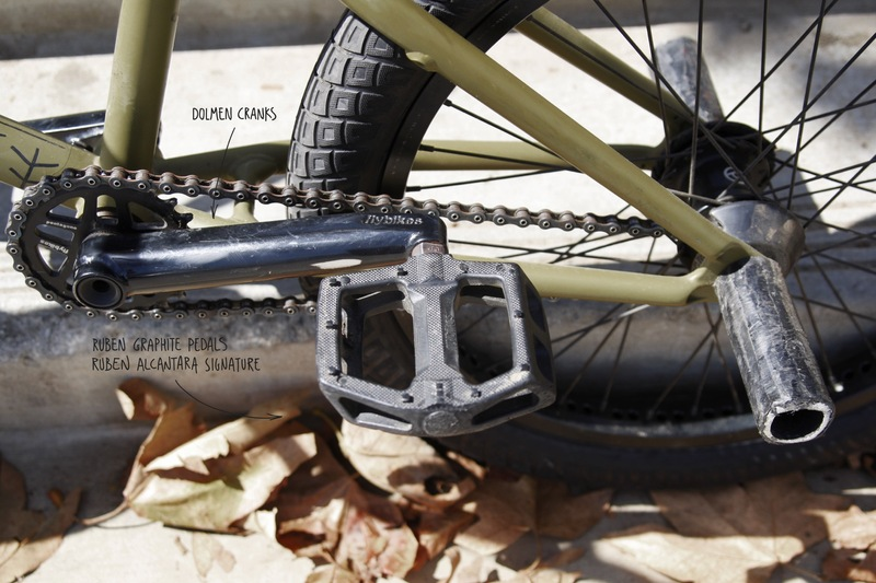 Flybikes - Devon Smillie Bike Check